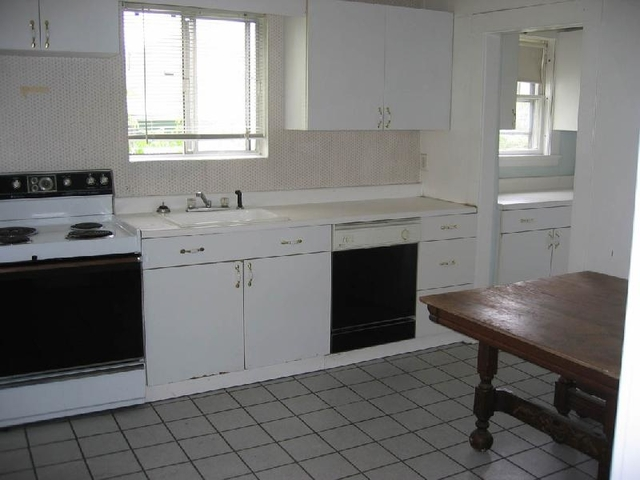3 Bedrooms, Oak Square Rental in Boston, MA for $2,700 - Photo 2