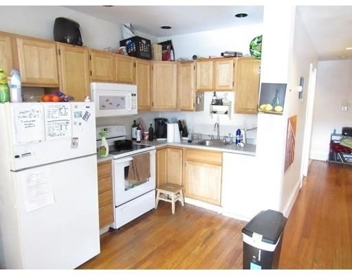 2 Bedrooms, Mission Hill Rental in Boston, MA for $3,000 - Photo 2