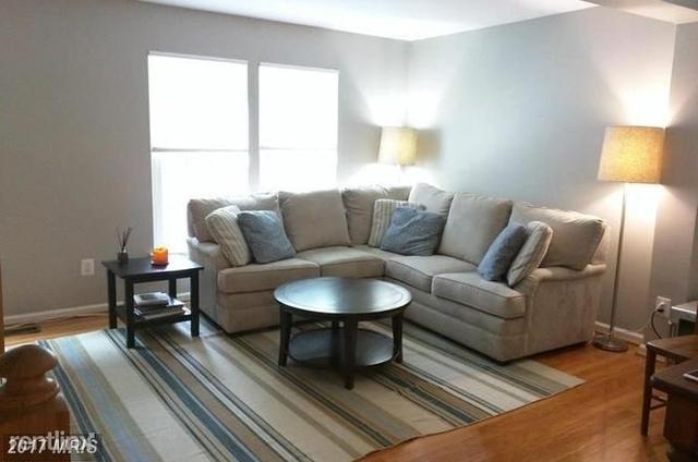 3 Bedrooms, Duke Street Square Rental in Washington, DC for $2,500 - Photo 2