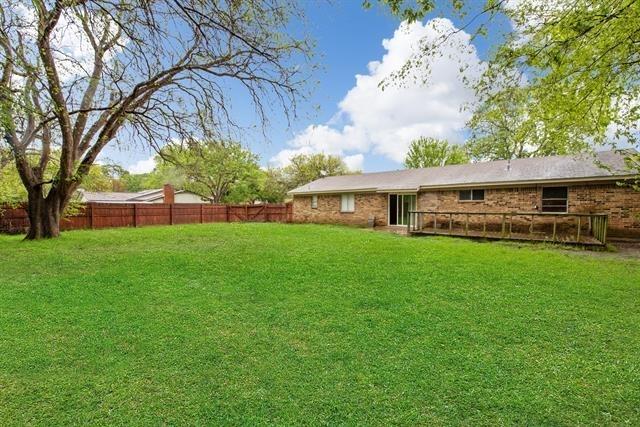 3 Bedrooms, West Arlington Rental in Dallas for $1,650 - Photo 2