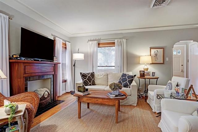 2 Bedrooms, Brantwood Rental in Houston for $2,400 - Photo 1