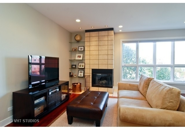 2 Bedrooms, Wicker Park Rental in Chicago, IL for $3,000 - Photo 2