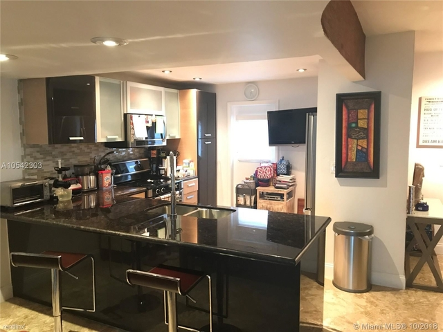 2 Bedrooms, Eastern Shores Rental in Miami, FL for $2,100 - Photo 1
