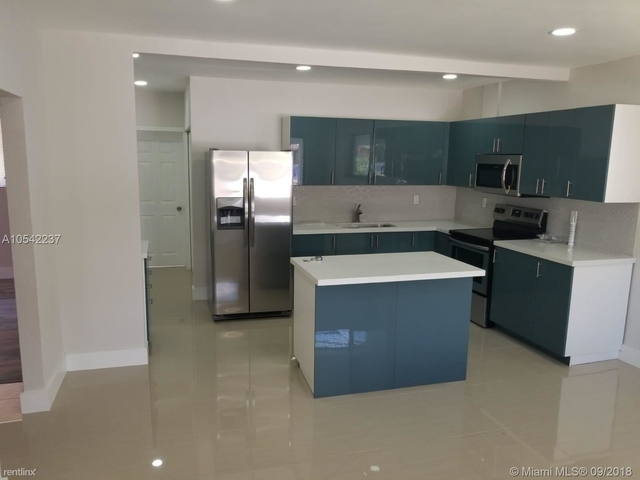 3 Bedrooms, Floral Park Rental in Miami, FL for $2,150 - Photo 1