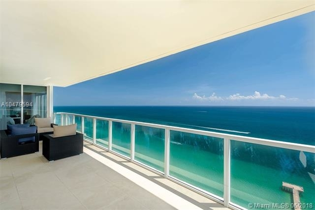 2 Bedrooms, Tatum's Ocean Beach Park Rental in Miami, FL for $6,000 - Photo 2