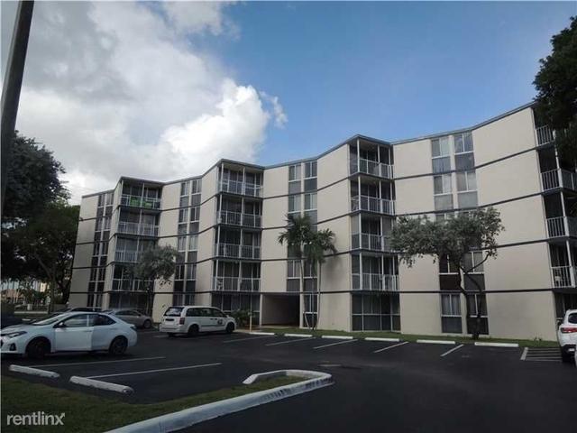 2 Bedrooms, Fairgreen Villas Rental in Miami, FL for $1,450 - Photo 1