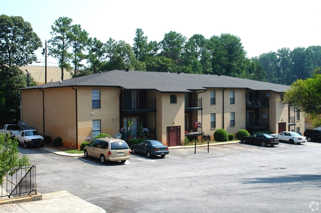 2 Bedrooms, Downtown Sandy Springs Rental in Atlanta, GA for $1,250 - Photo 2