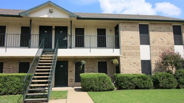 2 Bedrooms, Heart of Arlington Rental in Dallas for $849 - Photo 1