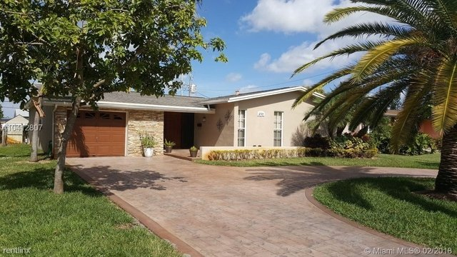 3 Bedrooms, Miramar Isles Rental in Miami, FL for $2,000 - Photo 1