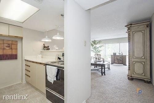 2 Bedrooms, TowneOaks Terrace Condominiums Rental in Dallas for $1,200 - Photo 1