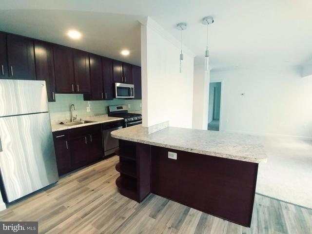 3 Bedrooms, Merrifield Rental in Washington, DC for $2,260 - Photo 1