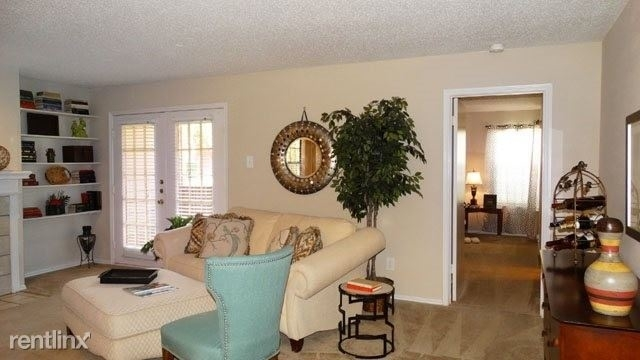 2 Bedrooms, Carrollton Rental in Dallas for $999 - Photo 1