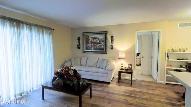 1 Bedroom, Richmond Square Rental in Houston for $625 - Photo 1