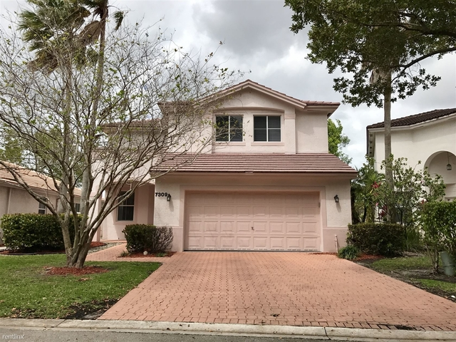 4 Bedrooms, Lakes of Newport Rental in Miami, FL for $2,500 - Photo 1