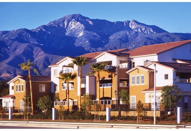 3 Bedrooms, Terra Vista Rental in Los Angeles, CA for $2,275 - Photo 2
