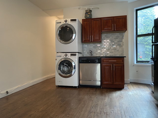 4 Bedrooms, Alphabet City Rental in NYC for $5,150 - Photo 2