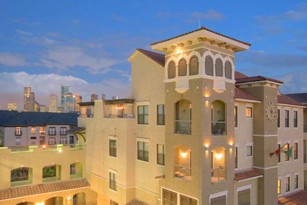 2 Bedrooms, Memorial Heights Rental in Houston for $1,891 - Photo 1