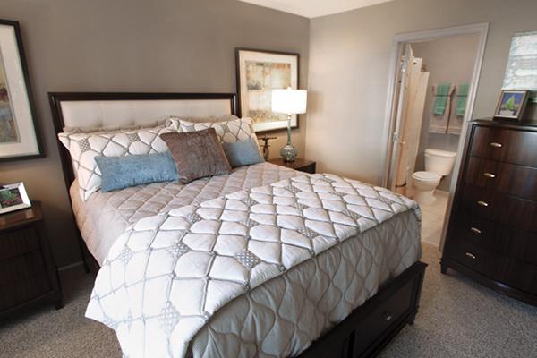 2 Bedrooms, Vinings Rental in Atlanta, GA for $1,155 - Photo 2