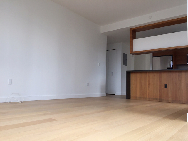 2 Bedrooms, Hell's Kitchen Rental in NYC for $6,485 - Photo 2