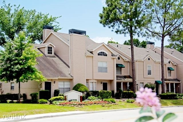 1 Bedroom, Woodway Townhome Apts Rental in Houston for $1,300 - Photo 1