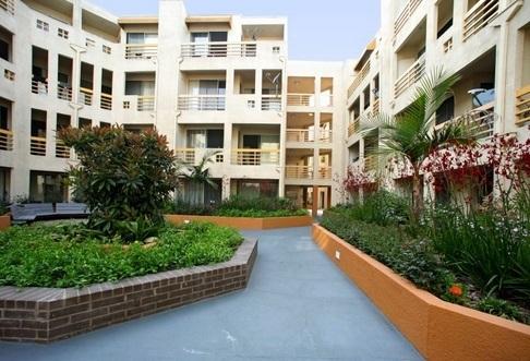 2 Bedrooms, Park La Brea Rental in Los Angeles, CA for $2,300 - Photo 2