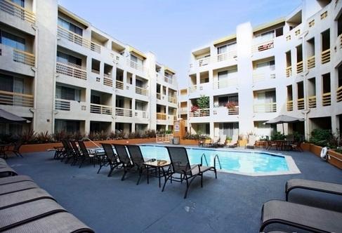 2 Bedrooms, Park La Brea Rental in Los Angeles, CA for $2,300 - Photo 1