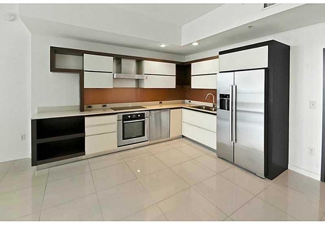 2 Bedrooms, Ocean Park Rental in Miami, FL for $3,900 - Photo 2