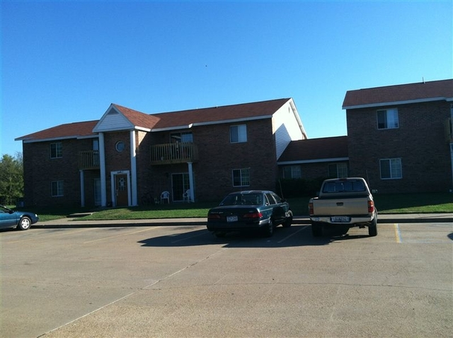 2 Bedrooms, Cedar Creek Lake Rental in Athens, TX for $540 - Photo 1