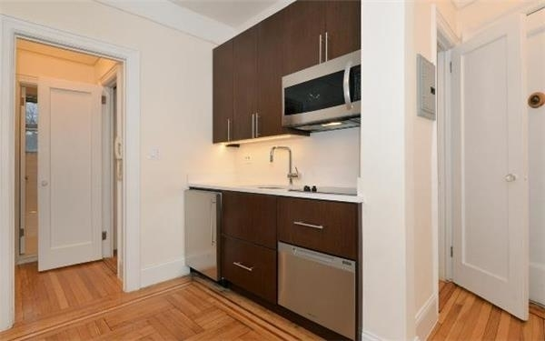 1 Bedroom, West Village Rental in NYC for $3,499 - Photo 2