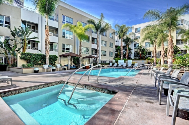 3 Bedrooms, Miracle Mile Rental in Los Angeles, CA for $6,310 - Photo 2