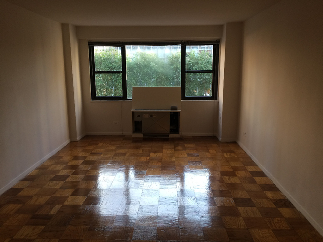 Studio, Hell's Kitchen Rental in NYC for $2,499 - Photo 2