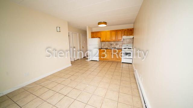 1 Bedroom, Ditmars Rental in NYC for $1,600 - Photo 2