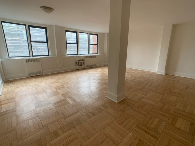 3 Bedrooms, Yorkville Rental in NYC for $7,750 - Photo 1