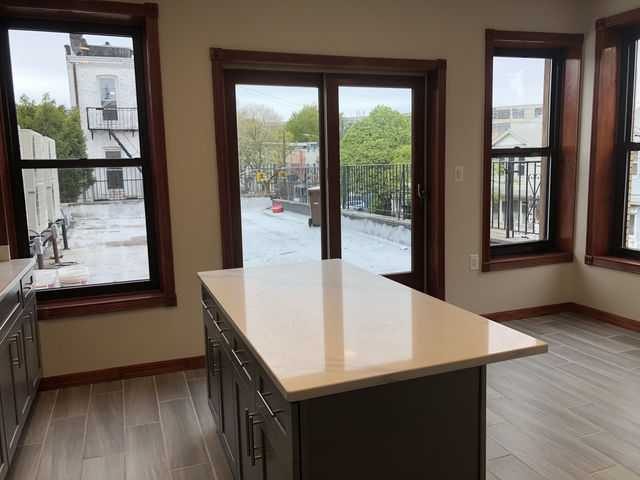 3 Bedrooms, Glendale Rental in NYC for $3,000 - Photo 2