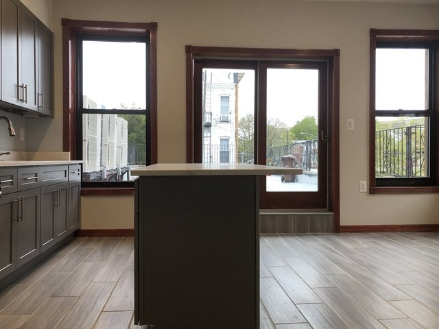 3 Bedrooms, Glendale Rental in NYC for $3,000 - Photo 1
