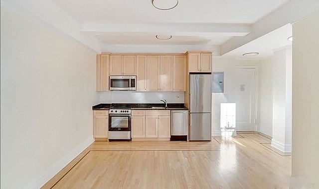 1 Bedroom, Carnegie Hill Rental in NYC for $3,219 - Photo 2