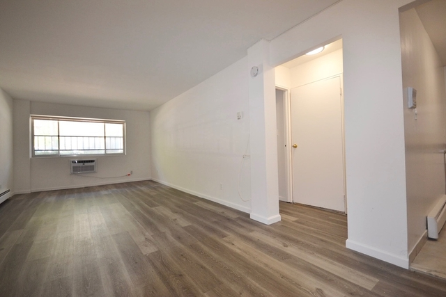 1 Bedroom, Forest Hills Rental in NYC for $1,913 - Photo 1