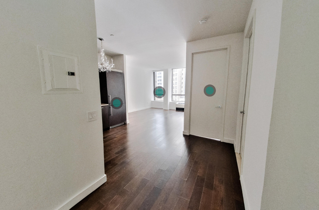 1 Bedroom, Financial District Rental in NYC for $4,022 - Photo 2
