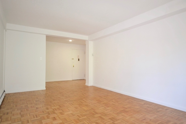 1 Bedroom, Forest Hills Rental in NYC for $1,890 - Photo 2