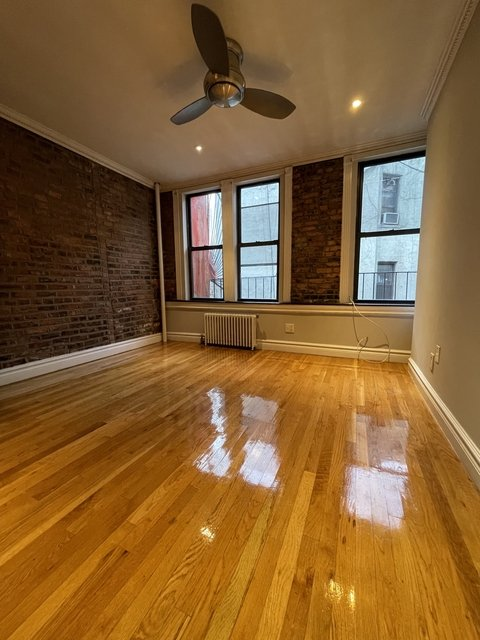2 Bedrooms, Lower East Side Rental in NYC for $2,475 - Photo 1