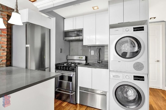 3 Bedrooms, Little Italy Rental in NYC for $4,175 - Photo 2