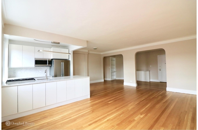 3 Bedrooms, Rego Park Rental in NYC for $3,800 - Photo 2