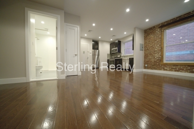 2 Bedrooms, Astoria Rental in NYC for $2,800 - Photo 2