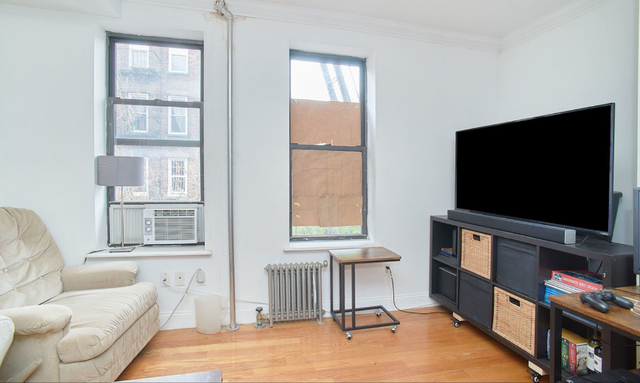3 Bedrooms, East Village Rental in NYC for $5,800 - Photo 2