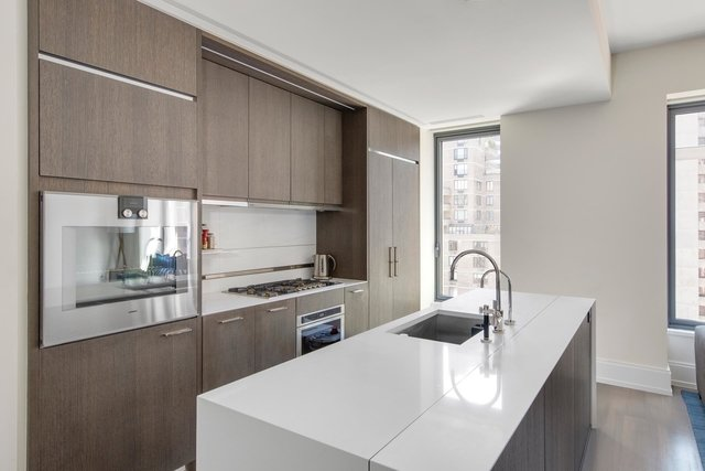 2 Bedrooms, Turtle Bay Rental in NYC for $9,000 - Photo 1