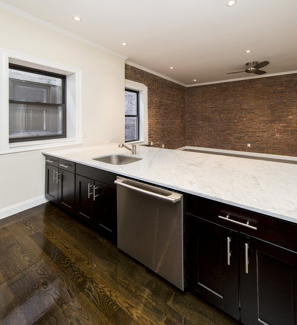 4 Bedrooms, Upper East Side Rental in NYC for $6,519 - Photo 2