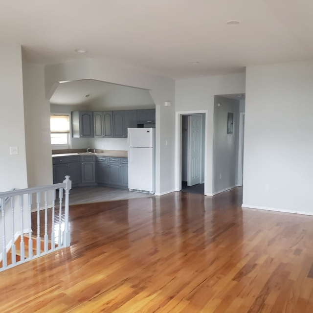 3 Bedrooms, St. Albans Rental in NYC for $2,400 - Photo 1