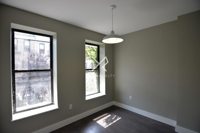 3 Bedrooms, Ridgewood Rental in NYC for $2,588 - Photo 1