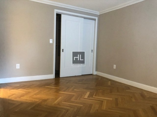3 Bedrooms, Yorkville Rental in NYC for $7,635 - Photo 2