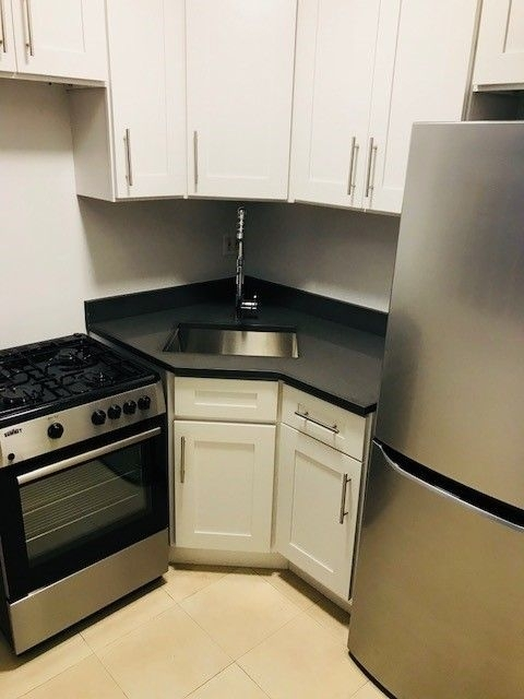 1 Bedroom, Gramercy Park Rental in NYC for $2,605 - Photo 2
